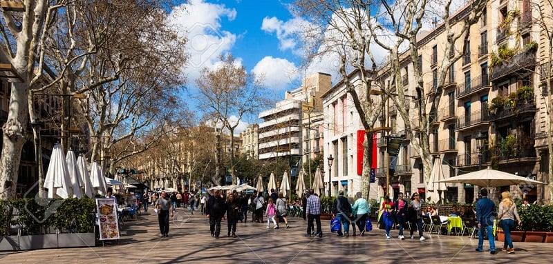 Onde Ficar em Barcelona: El Raval