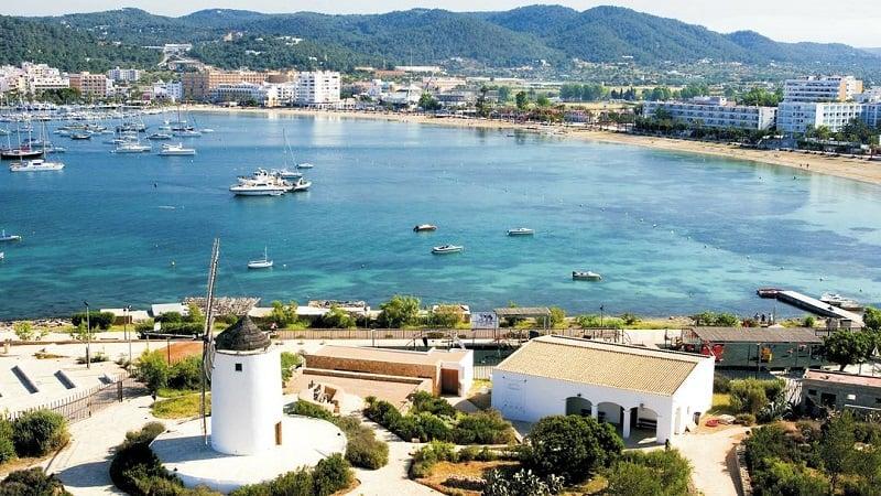 Onde Ficar em Ibiza: San Antonio