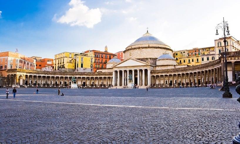 Onde Ficar em Nápoles: Plebiscito